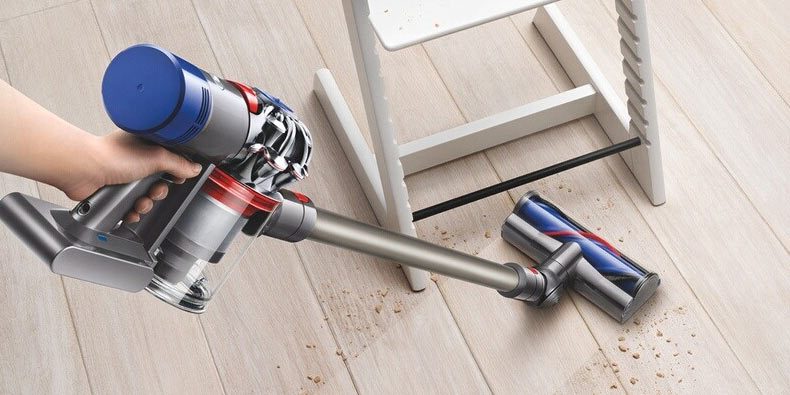 Black Friday Dyson V8